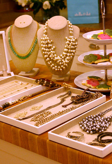 how to start a trunk show business