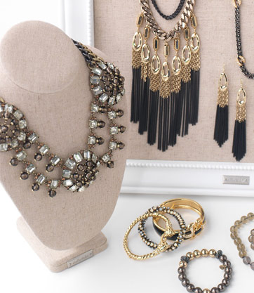 SHOP FOR THE LATEST STATEMENT JEWELRY THAT IS SURE TO IMPRESS!